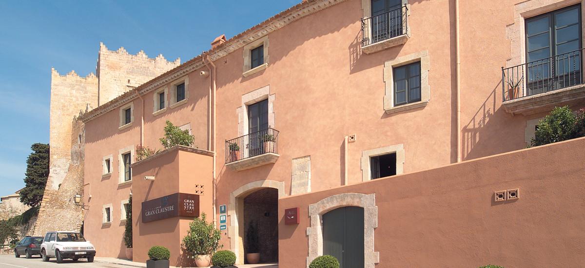 Rusticae Tarragona Hotel Claustre gastronomico descripcion