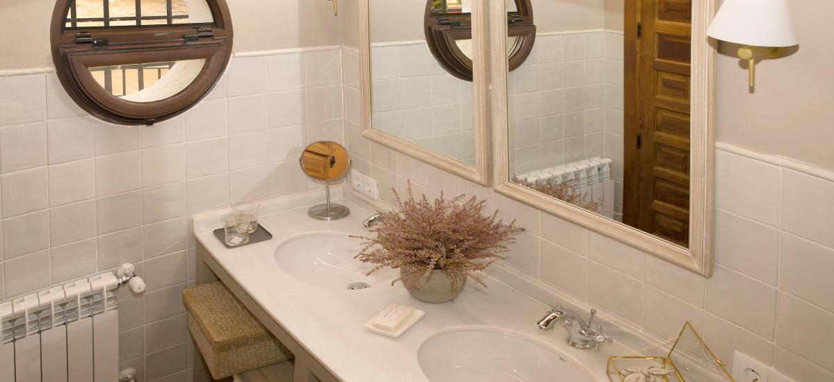 Hotel Las Tejuelas, Hotel Las Tejuelas Rusticae baño2