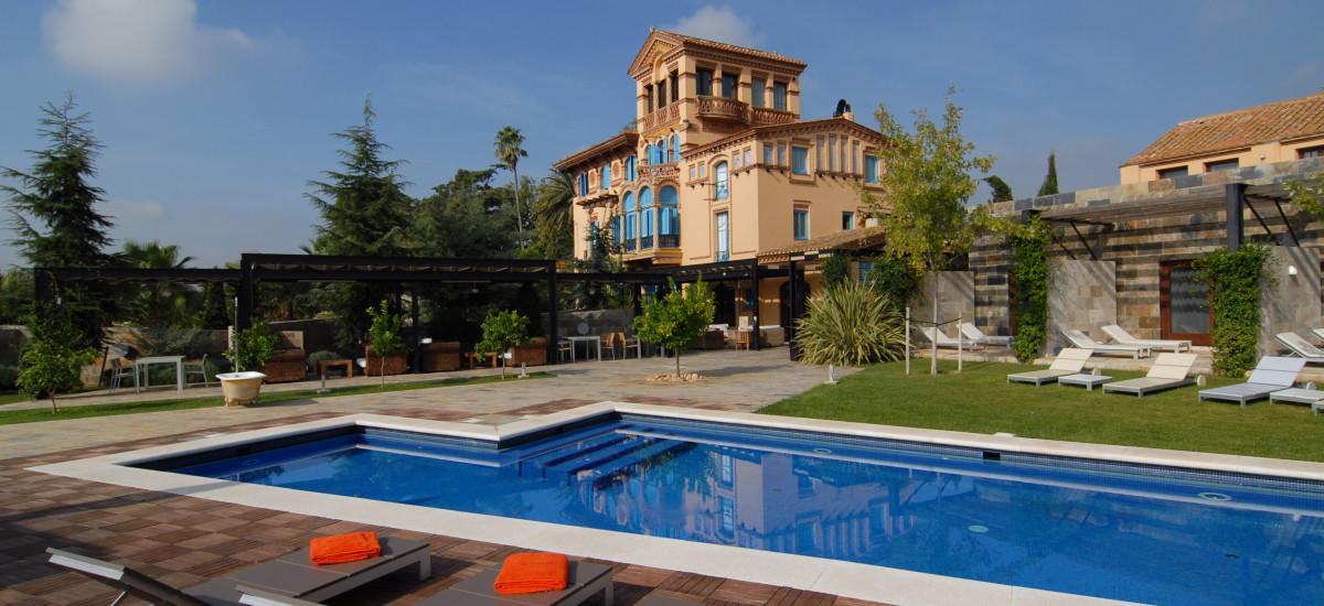 Hotel Mas Passamaner La Selva Del Camp pool garden