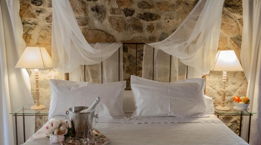 Rusticae Ávila Hotel con encanto Cama