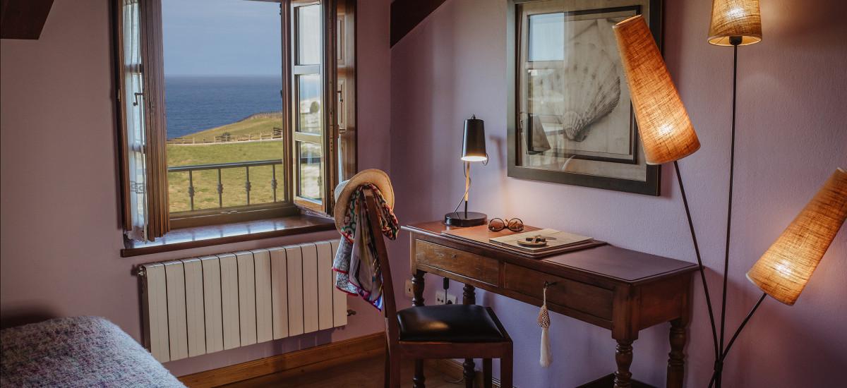 Hotel Pleamar en Asturias ventana