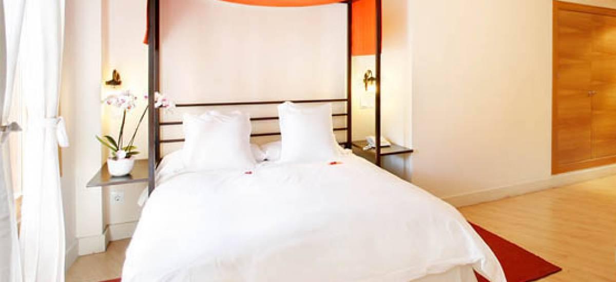 Rusticae Madrid Hotel Rincón de Traspalacio rural bedroom