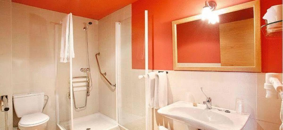 Rusticae Madrid Hotel Rincón de Traspalacio rural bathroom