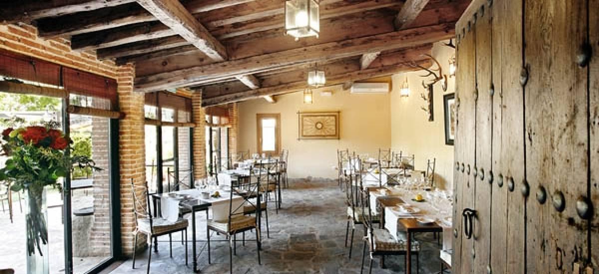 Rusticae Madrid Hotel Rincón de Traspalacio rural dining room