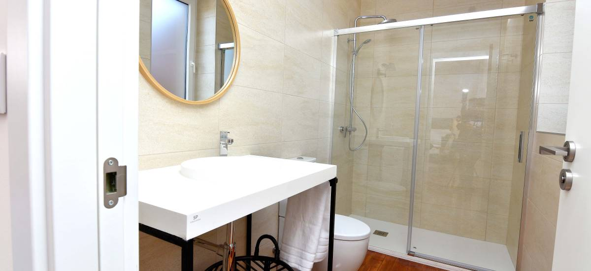 SANMARTINA HOTEL Becerril de Campos bath