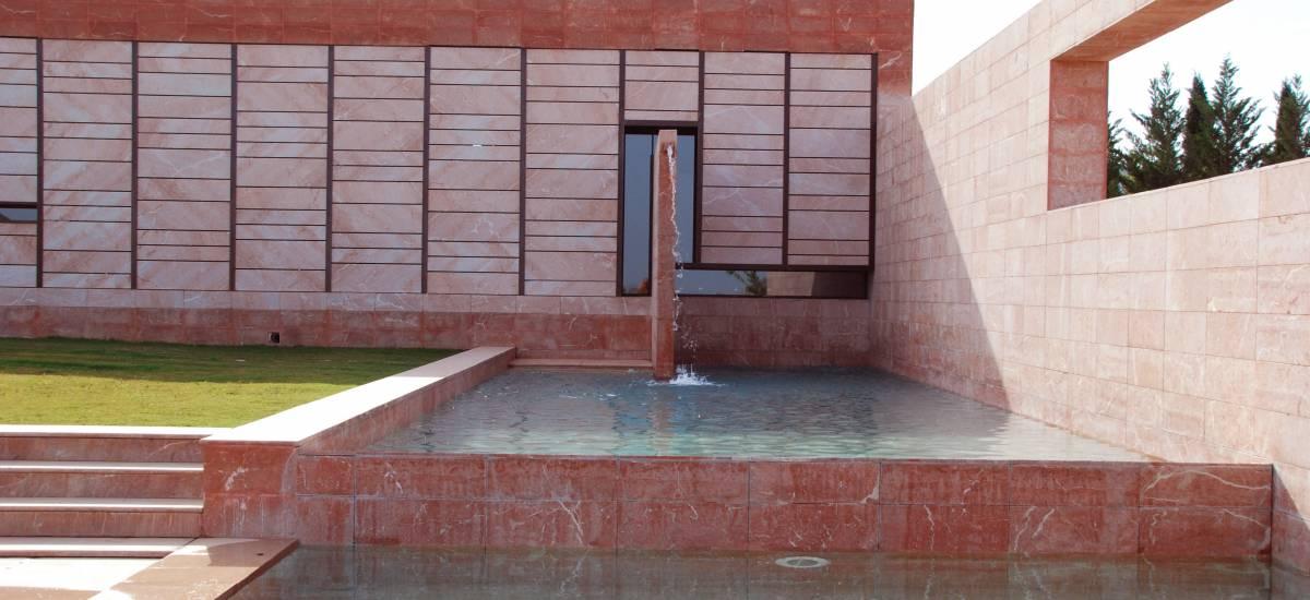 Rusticae Alicante charming hotel fountain