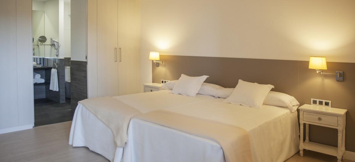 Hotel The Rock Suites & Spa interior habitacion 5