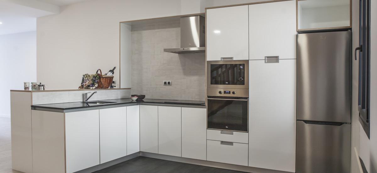 Hotel The Rock Suites & Spa interior kitchen