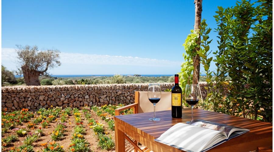 Rusticae Menorca Hotel Torralbenc con necanto exterior