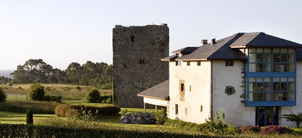 Rusticae Asturias charming Hotel Torre de Villademoros outside