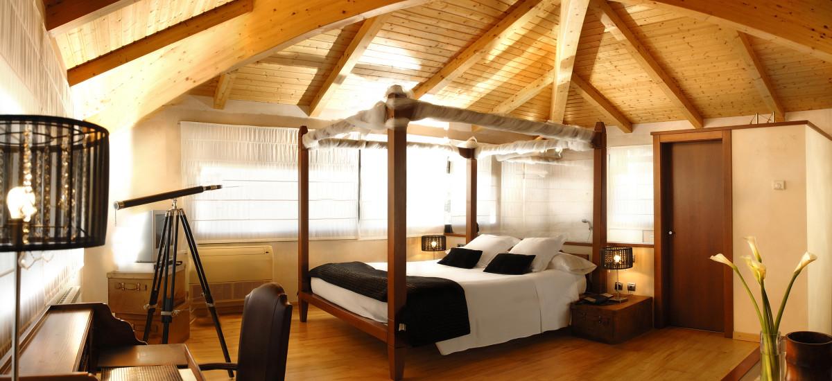 Hotel Urbisol en Calders habitación cama
