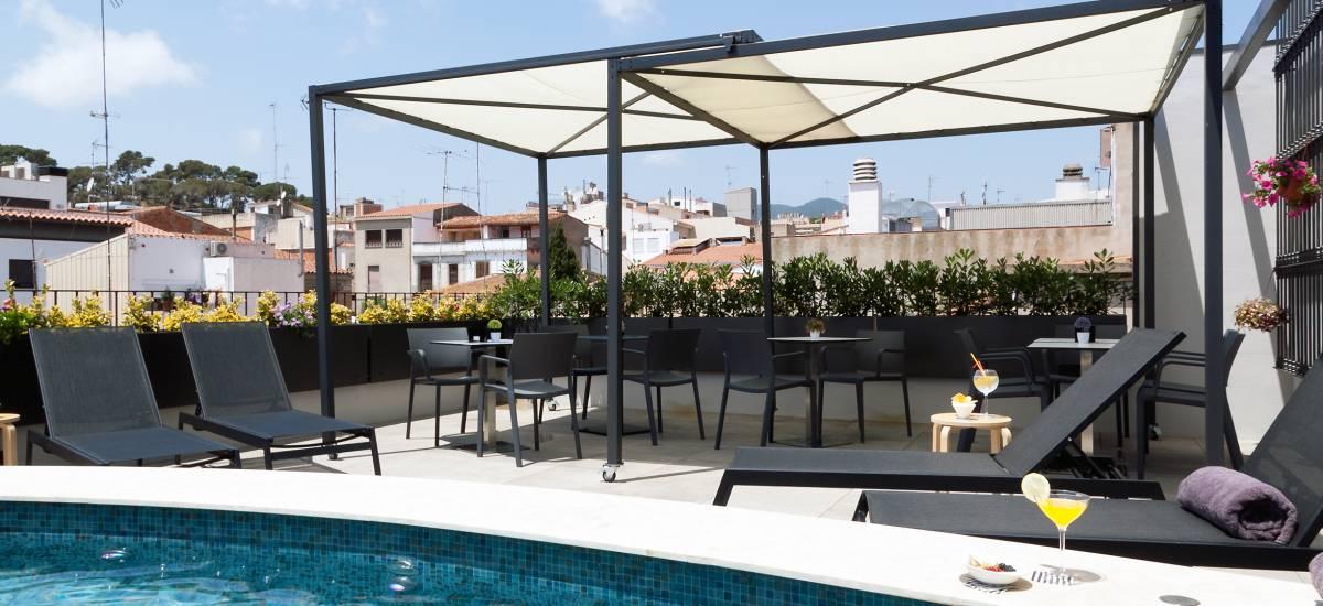 Hotel Vila Arenys de Mar piscina
