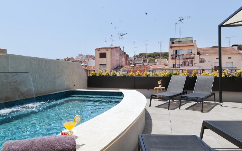 Hotel Vila Arenys de Mar piscina 2