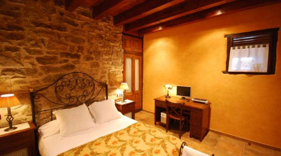 Rusticae Hotel Girona Gerona con encanto Salón Habitación