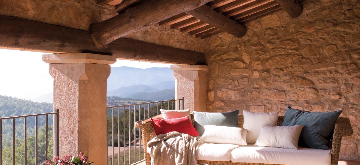 La Garriga de Castelladral Porche Hotel Rusticae