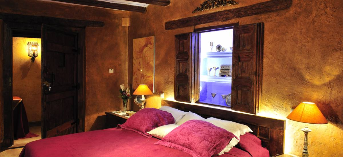 Rusticae Teruel charming Hotel Moradas Temple bedroom
