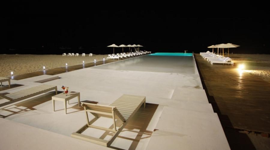 Mancora marina hotel rusticae hoteles con encanto per for Busco hotel barato en barcelona