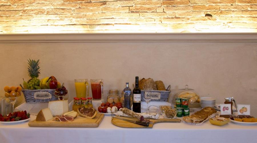 Rusticae Hotel Girona Gerona con encanto Buffet
