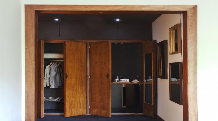 Rusticae Barcelona Hotel con encanto Vestidor