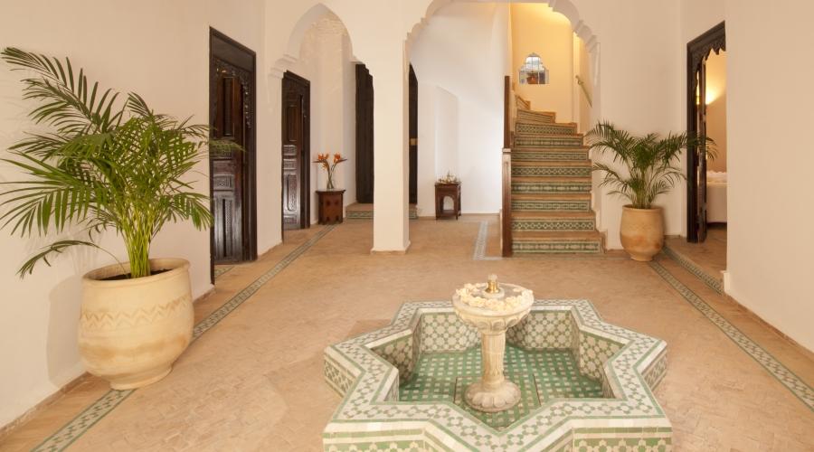Rusticae Tánger Hotel Riad Maison Blanche romántico zona común