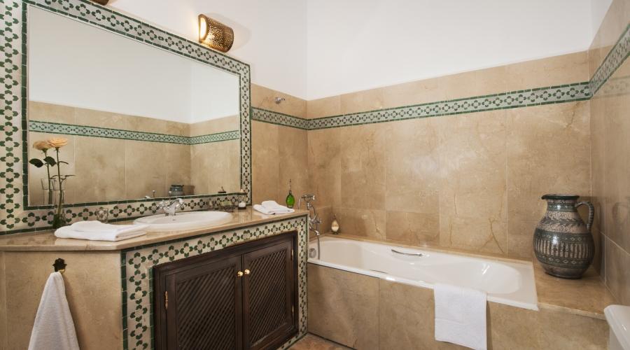 Rusticae Tánger Hotel Riad Maison Blanche romántico Baño