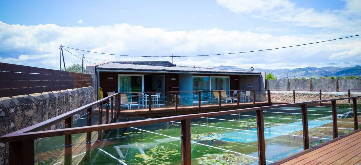 Tancat de Codorniu Hotel Rusticae lake home