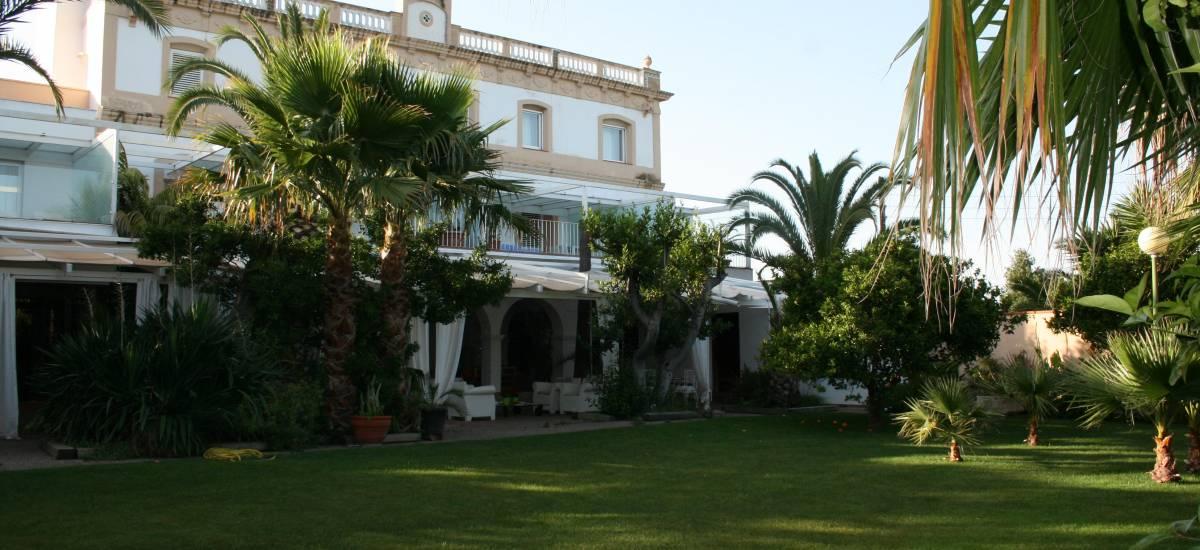 Tancat de Codorniu Hotel garden