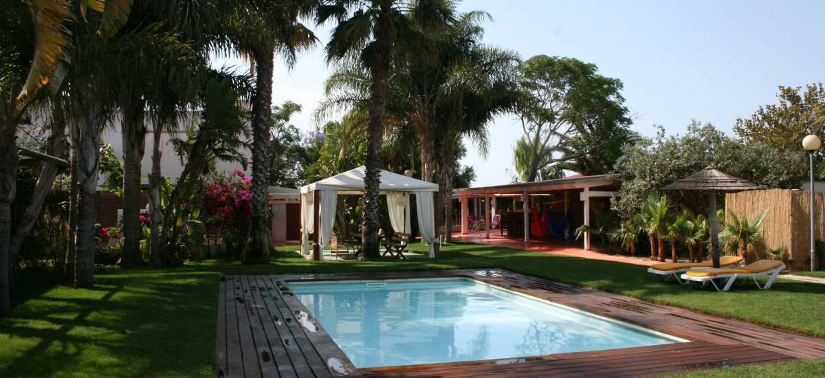Tancat de Codorniu Hotel Rusticae pool 2