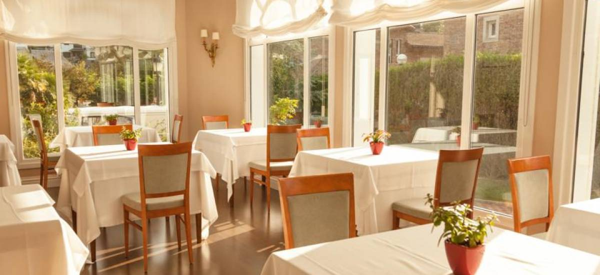 Rusticae Gipuzcoa charming Hotel Villa Soro dining room