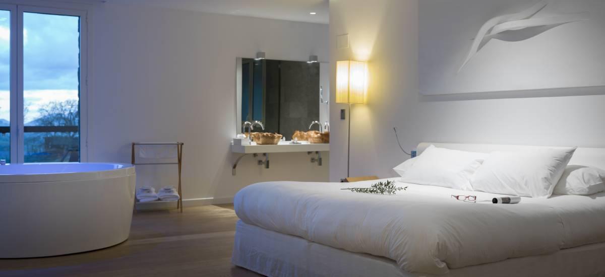 Caja y Cofre Regalo de Noche en Hotel Arantza Hotela 5* Navarra