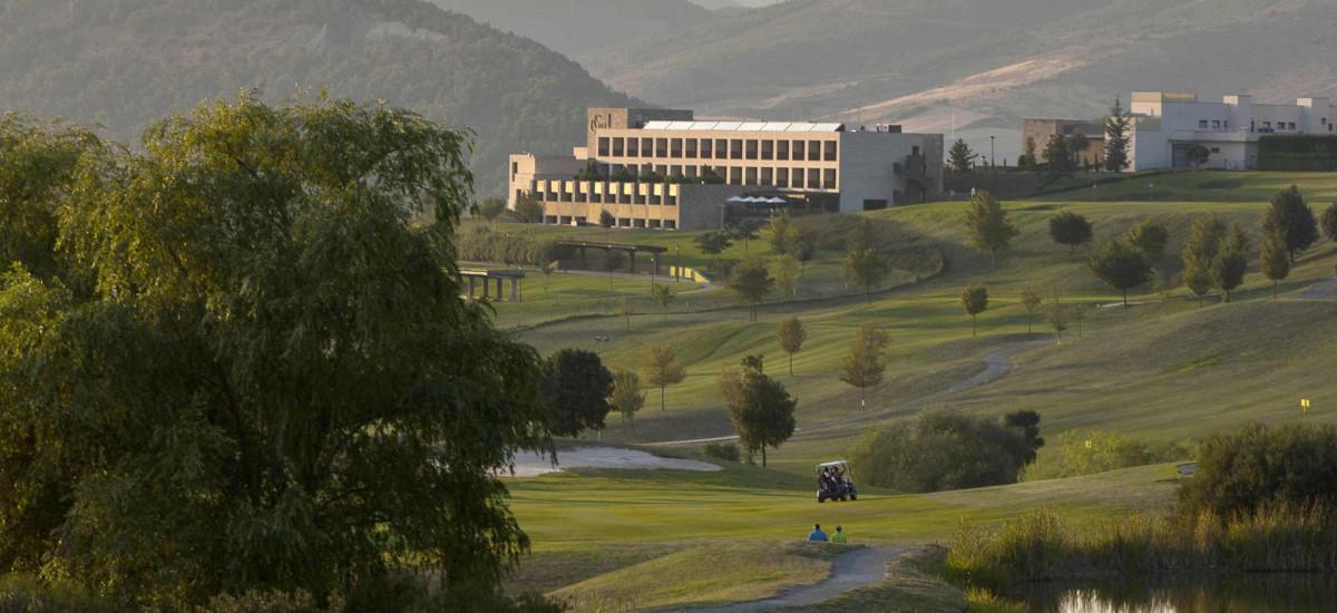 Rusticae Castillo de Gorraiz hotel en Pamplona con campo de golf
