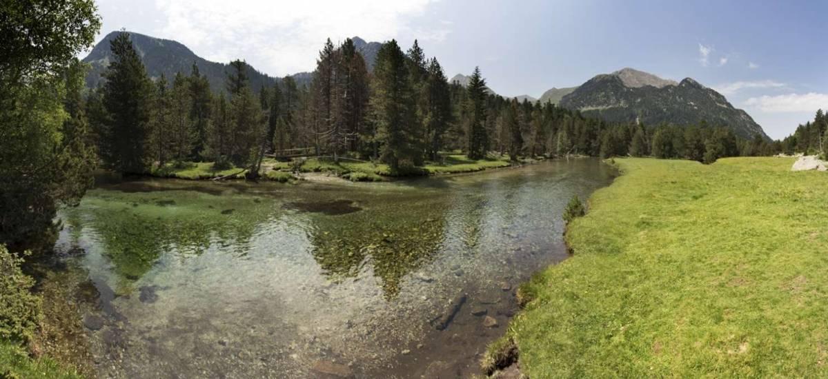 Regalos Originales para Amigos - Experiencia en Pirineos walking