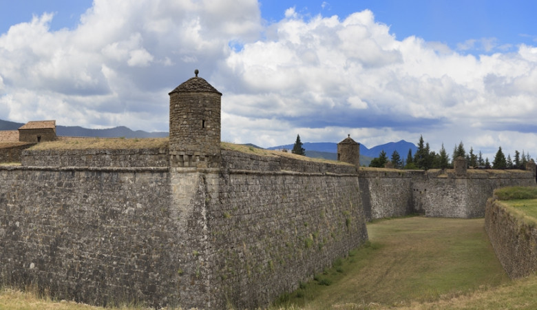 DISCOVERING PYRENEES:RELAX AND DISCONNECT