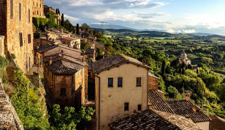 A SUMMER IN TUSCANY