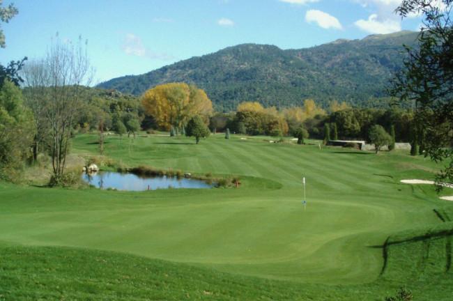 Campo de golf Navaluenga cerca de El-hotelito hotel Rusticae
