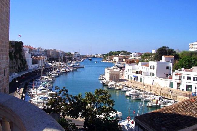 Qué ver en Menorca: Cuitadella Puerto deportivo