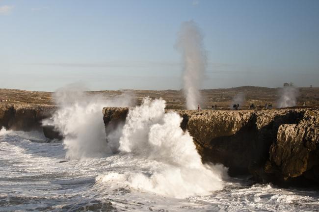 Sabor a mar: Los bufones de Pría con niños en Asturias
