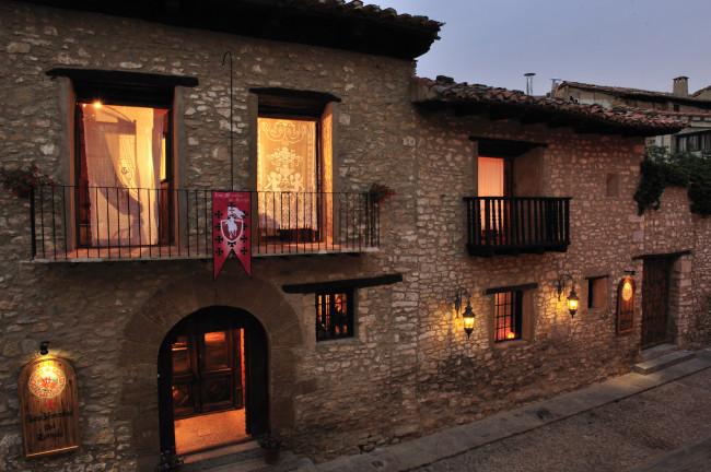 Nacimiento del Río Pitarque desde el Hotel Moradas del Temple (Teruel)
