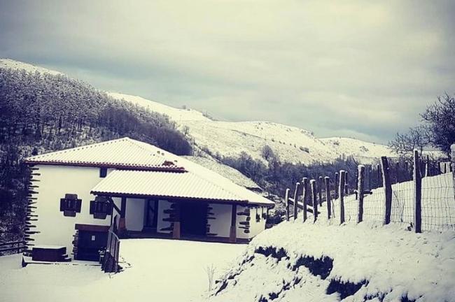 Casa Rural de Alquiler Completo Baserri (Etxalar, Navarra)