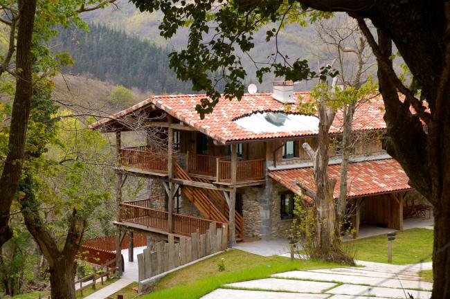 Arantza Apartamentuak. 3 llaves (Navarra)