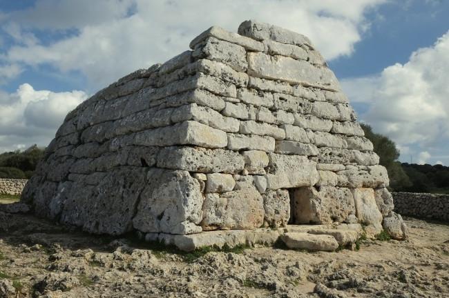 Qué ver y qué hacer en Menorca: Patromonio Arqueológico Menorca