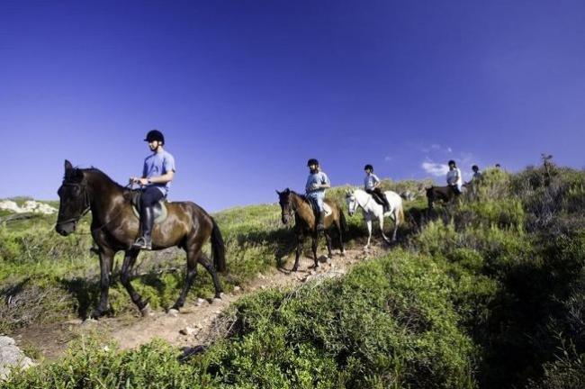 Qué hacer en Menorca: Ruta a Caballo Camí de Cavalls
