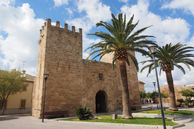Visita al Castillo de Alcúdia Qué hacer en Mallorca Rusticae