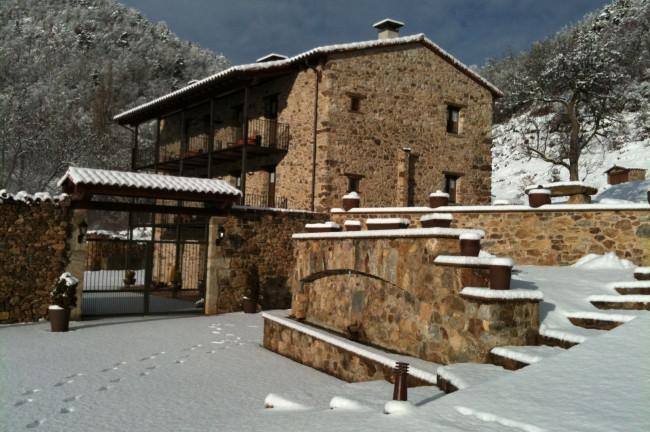 <strong>Vacaciones en la Nieve</strong> Hotel Girona Casassa