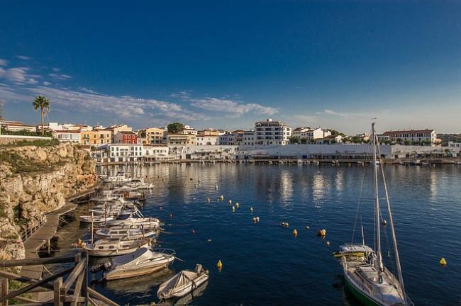 que hacer en menorca, puerto playas y calas Menorquinas