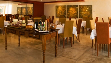 La Gloria Restaurant
