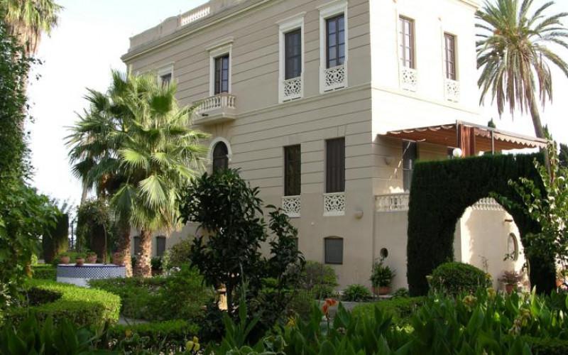Hoteles en Andalucía Casa Hotel de los Bates Entrada Edificio