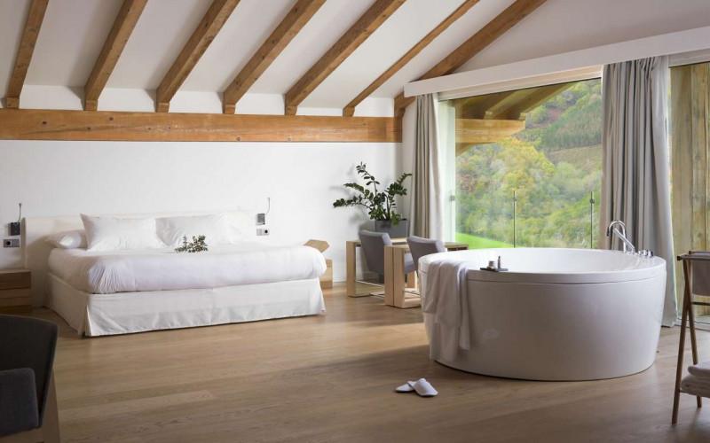 Hoteles con Jacuzzi privado en la habitación Arantza Hotela