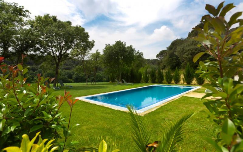Apartamentos de alquiler completo con jardin Can clotas