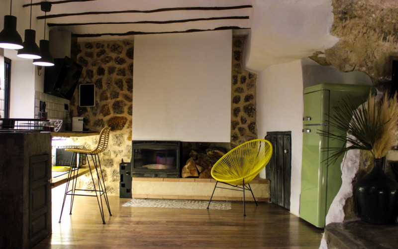 Cottages and apartments to rent with fireplace XUQ Lomas de Ruvi